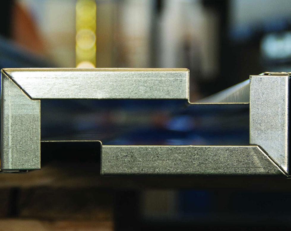 metalcomp-certificazioni-lavorazioni-lamiere